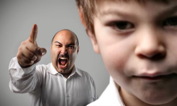 Qué no hacer durante los berrinches de tu hijo