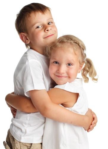niños cariñosos