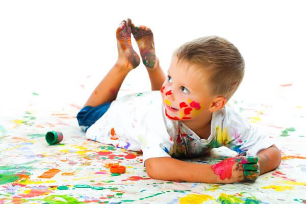 Las ventajas de pintar y colorear en los ni os - Ninos pintando con las manos ...