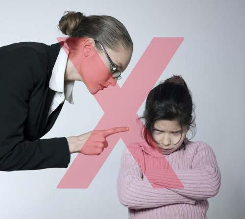 Beneficios de agacharse para hablar con los hijos.