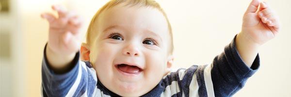 Ideas sensoriales para estimular a los bebes