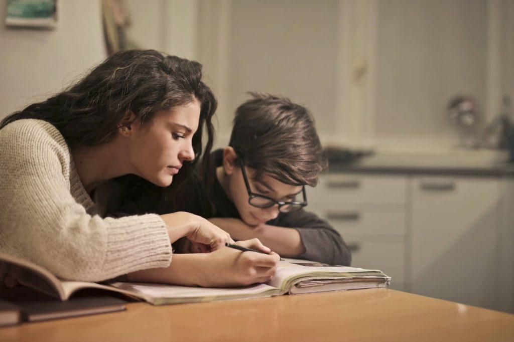 Opiniones de padres y educadores sobre el apoyo de Educapeques en las tareas escolares