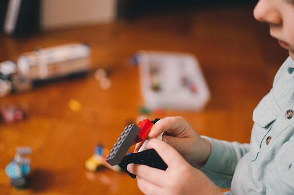 juegos de niños: Juego cacería para aprender los colores