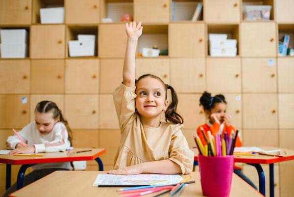 Enseñar inglés a los niños usando juegos como herramienta